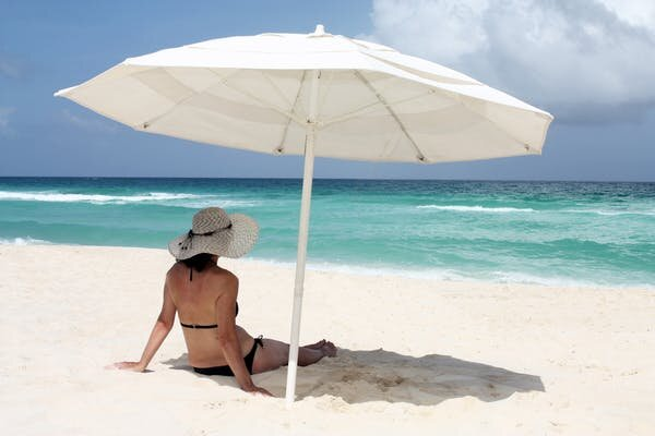 I am unable to get sunburnt by glass, shade or in water, proper? 5 widespread sunburn myths busted